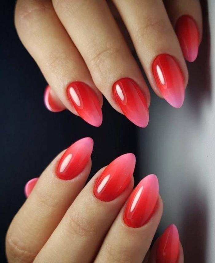 weihnachtsmaniküre inspiration gelnägel ombre roter und pinker nagellack spitze nagelform