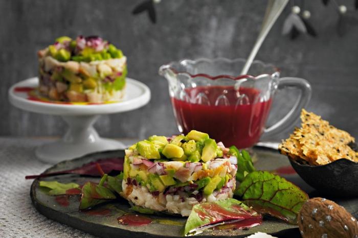 weihnachtsmenü zum vorbereiten schnelles weihnachtsessen forellen avocado tartar mit kräckern