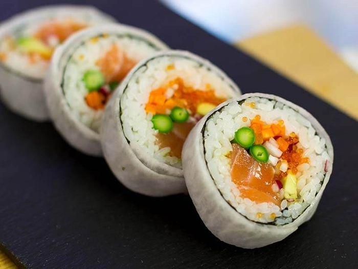 wie macht man sushi vegetarische rezepte japanische häppchen mit reis und gemüse