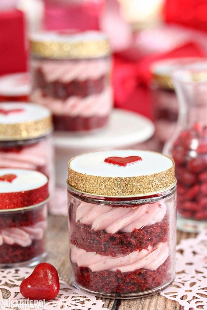 über was freuen sich männer zum valentinstag valentinsgeschenk für ihn geschenke für valentinstag kuchen in glas mit herz deckel selber machen valentinstag ideen