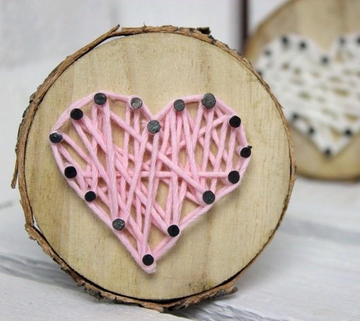 über was freuen sich männer zum valentinstag valentinstag ideen valentinsgeschenk für männer romantische geschenke selber machen holzscheibe herz stricken deko
