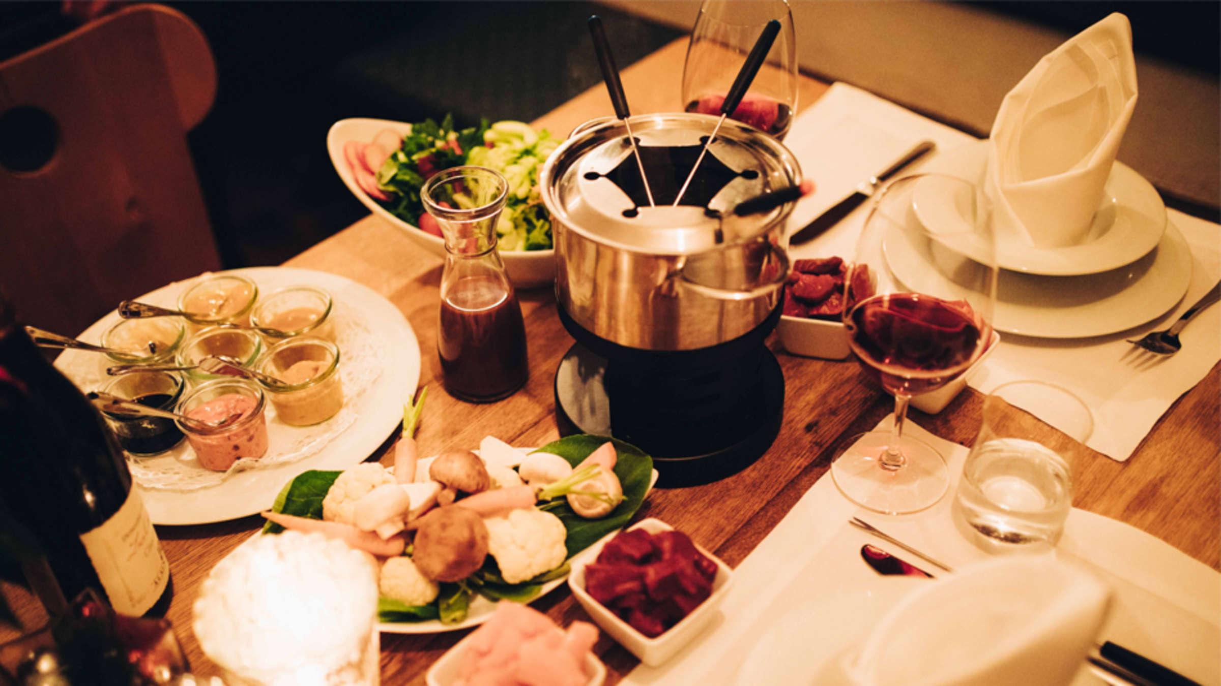 2 gänge menü romantisches essen rezepte valentinstag essen ideen rezepte für 2 personen romantisch tisch mit fondeu
