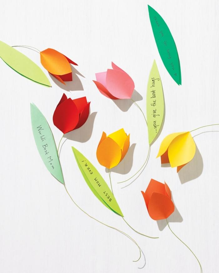 bunte blumen aus papier muttertagsgeschenk basteln kinder kreative bastelideen für kinder originelle geschenke
