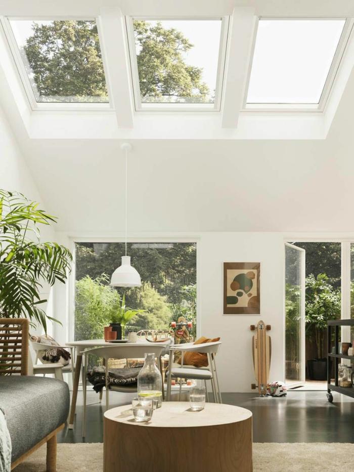 dekoration grüne pflanzen runder kaffeetisch velux dachfenster größen wohnzimmer einrichtung modern haus mit terrasse