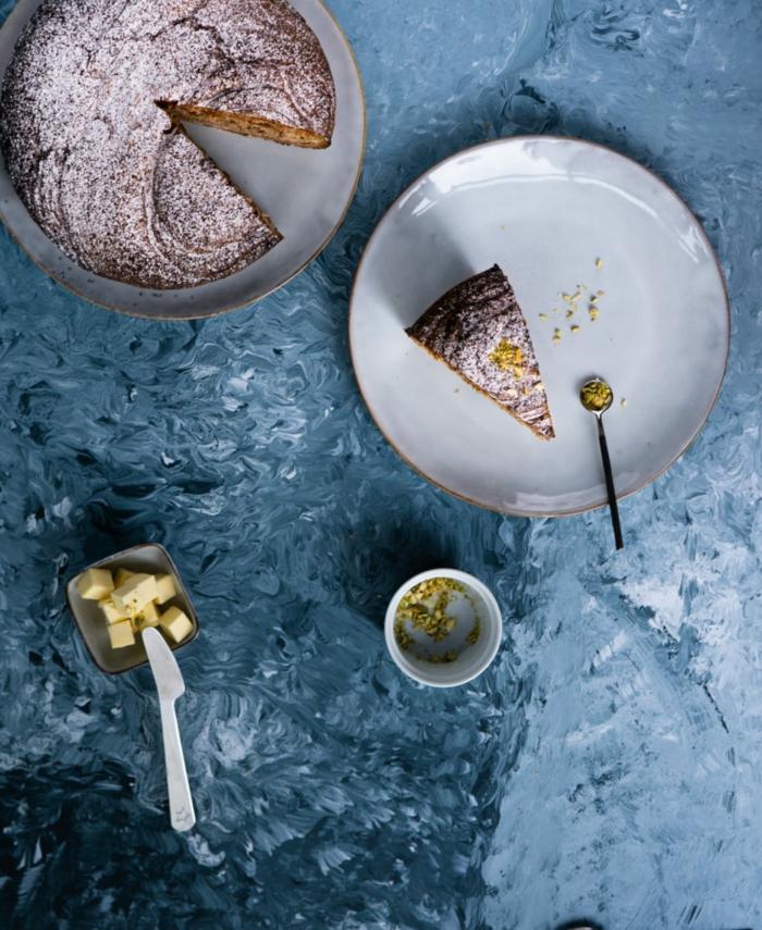 dutch topf nachtisch zimkuchen inspiration minimalistisches backen ideen kleiner teller mit butter