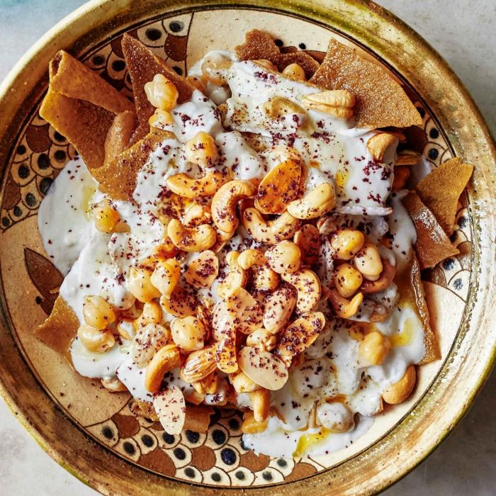 ein salat mit hummus rezept hummus selber machen rezept mit kichererbsen und brot