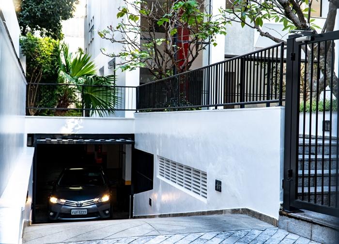 garagentor kaufen hilfreiche tipps zur auswahl garage einrichten