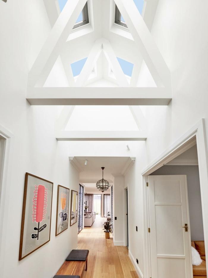 große wohnung flur dekoration mit kreativen bildern dachfenster austauschen wichtige tipps und informationen
