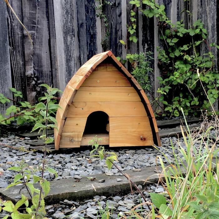 igelhaus bauanleitung katzensicheres igelhaus bauen igelhaus hütte in der wald bauen bauanleitung igelhaus