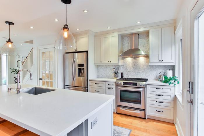 küchenlampen hängend große küche mit insel moderne inneneinrichtung inspo
