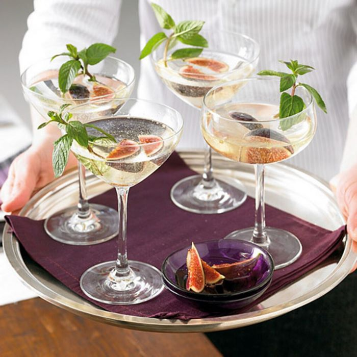 kochen zu zweit ideen romantisches essen rezepte 2 gänge menü cocktails mit feigen platte vier gläser