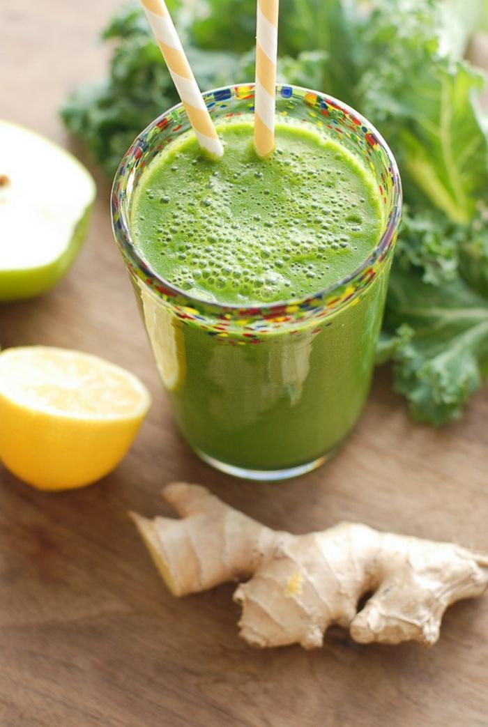 kohlrabi smoothie ein grünes getränk mit zitrone und ingwer ein glas mit grünem smoothie