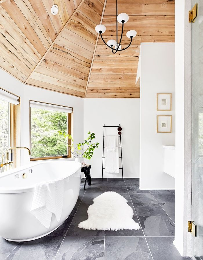 lösungen für zimmerdecken badezimmer einrichten freistehende badewanne rundes zimmer gestalten