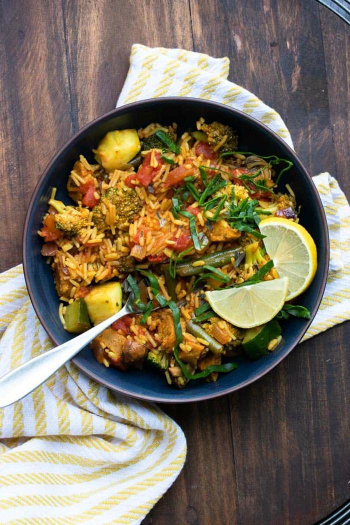 leichte rezepte traditionelle gerichte spanien vegane paella reis mit gemüse köstliche spanische gerichte