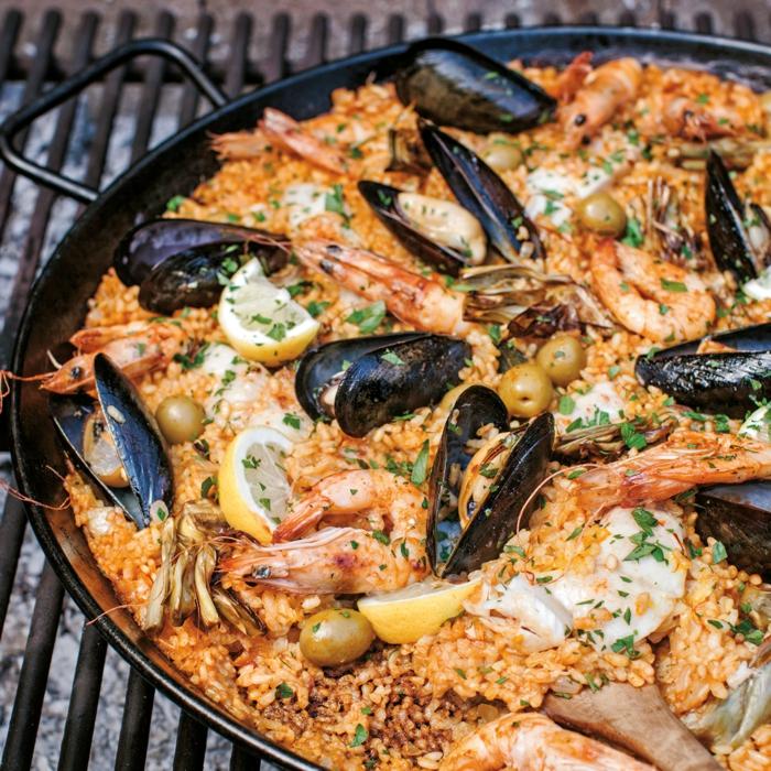 meeresfrüchte miesmuscheln garnellen speise mit reis mallorquinische paella rezept inspiration mittagessen ideen