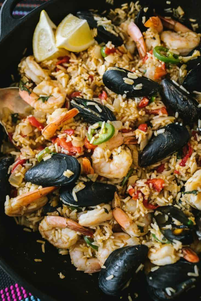 miesmuscheln garnellen mallorquinische paealla rezepte zubereiten leckere spanische speisen traditionell