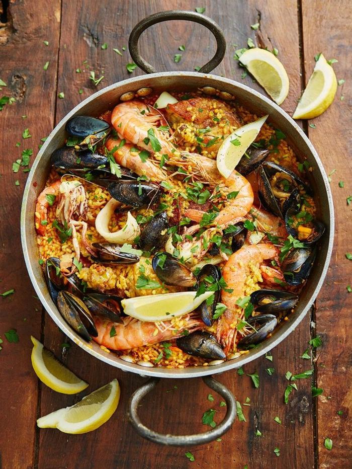 reisgerichte mit meeresfrüchten abendessen ideen für die ganze familie paella rezept einfach kochen 2021 inspiration
