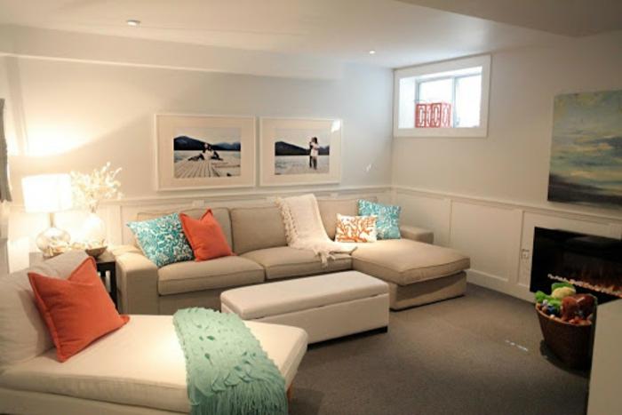 souterrainwohnung definition wohnzimmer im keller zwei sofas beige helle wände kleines fenster lampen kellerwohnung