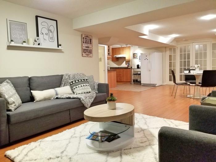 souterrainwohnung nachteile souterrain definition kellerraum gestalten wohnzimmer sofas tisch küche laminat