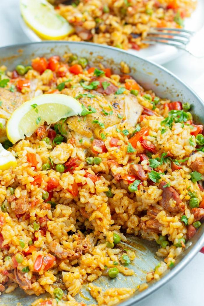 spanische gerichte hähnchen paella mit gemüse speisen zum abendessen zubereiten inspiration