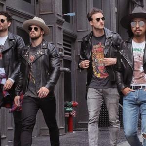 style 90er mode vintage mode herren 90er mode der 90er männer schwarze lederjacken jeans hüte