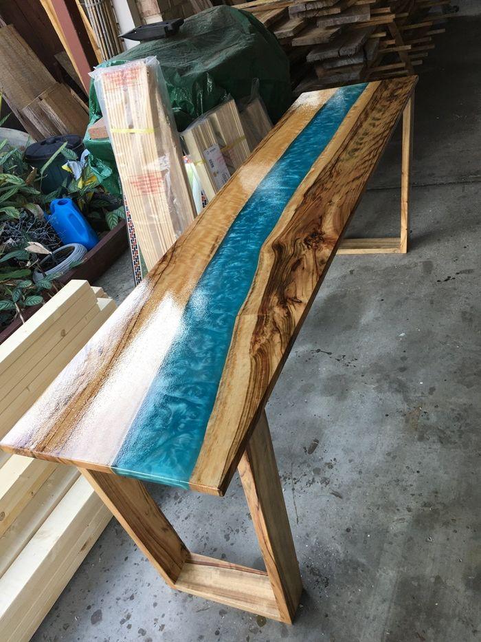 tisch mit harz massivholztisch designs und ideen außergewöhnliche möbelstücke