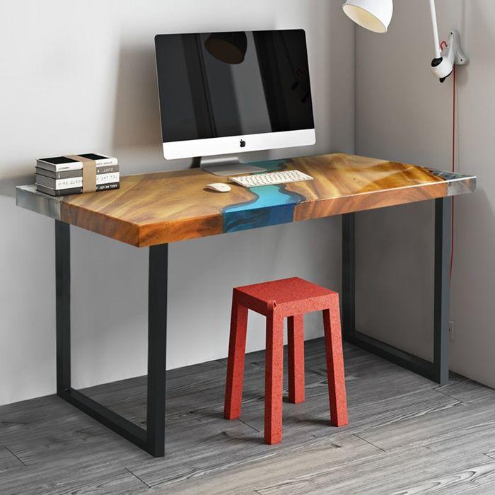 tisch mit harz schreibtisch aus massivholz und epoxidharz arbeitszimmer einrichten einzigartige möbel