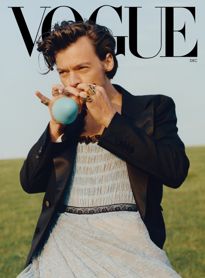 vogue cover harry styles style inspo fashion inspiration weißes kleid schwarzer blazer