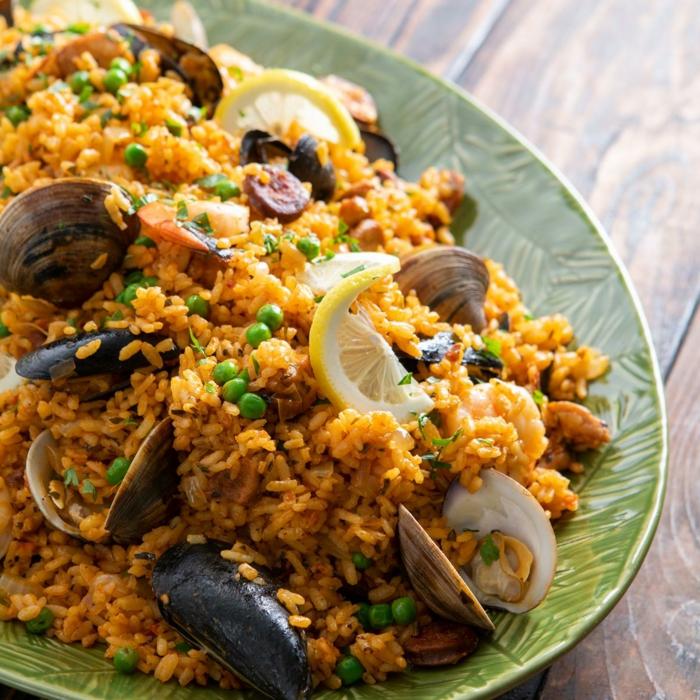 was soll ich heute kochen paella rezept vegetarisch mit meeresfrüchten miesmuscheln und gemüse spanische speisen klassisch