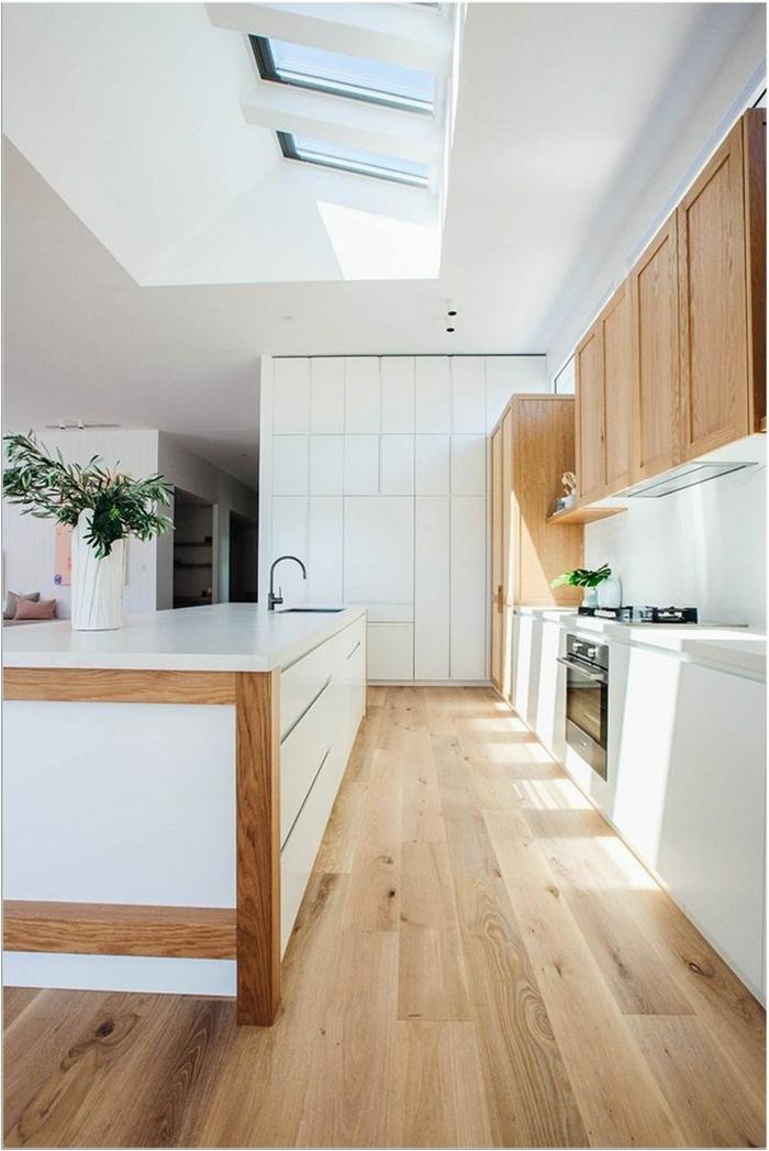 weiße küche mit holz akzenten dachfenster austauschen kosten scandi inneneinrichtung minimalistisch inspiration ideen küche mit insel