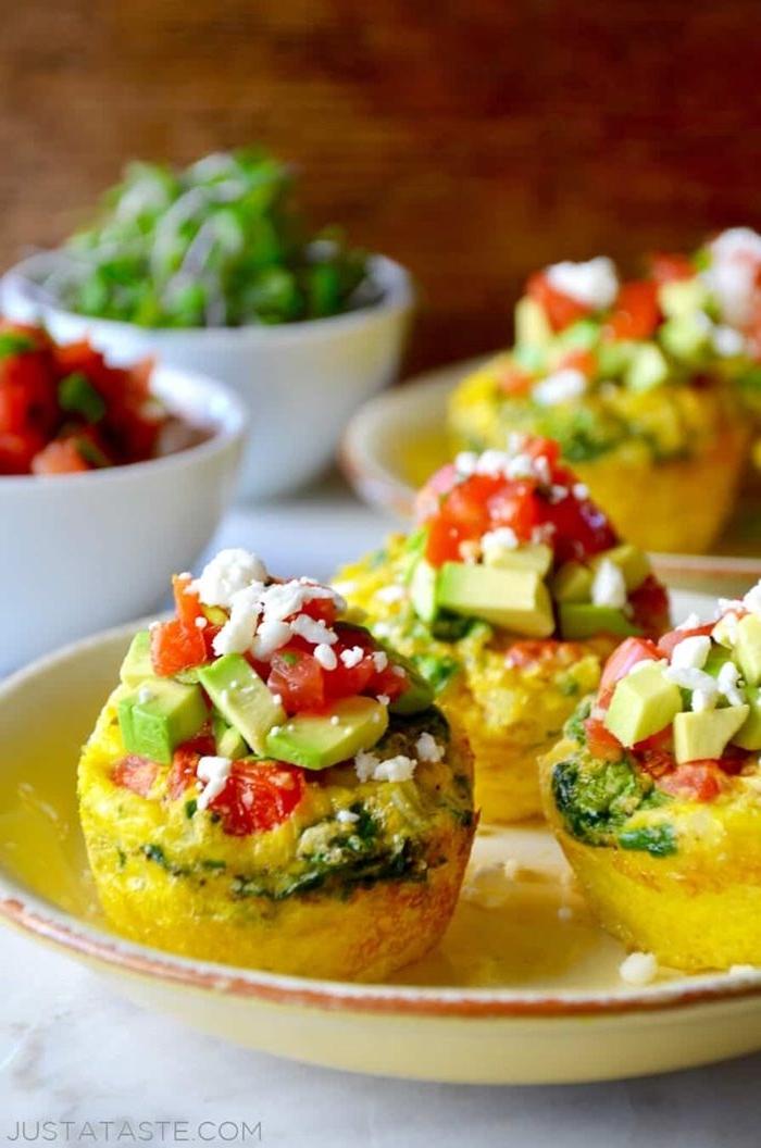 diät in der schwangerschaft fühstücksideen eier mit gemüse eiermuffins salzige muffins low carb