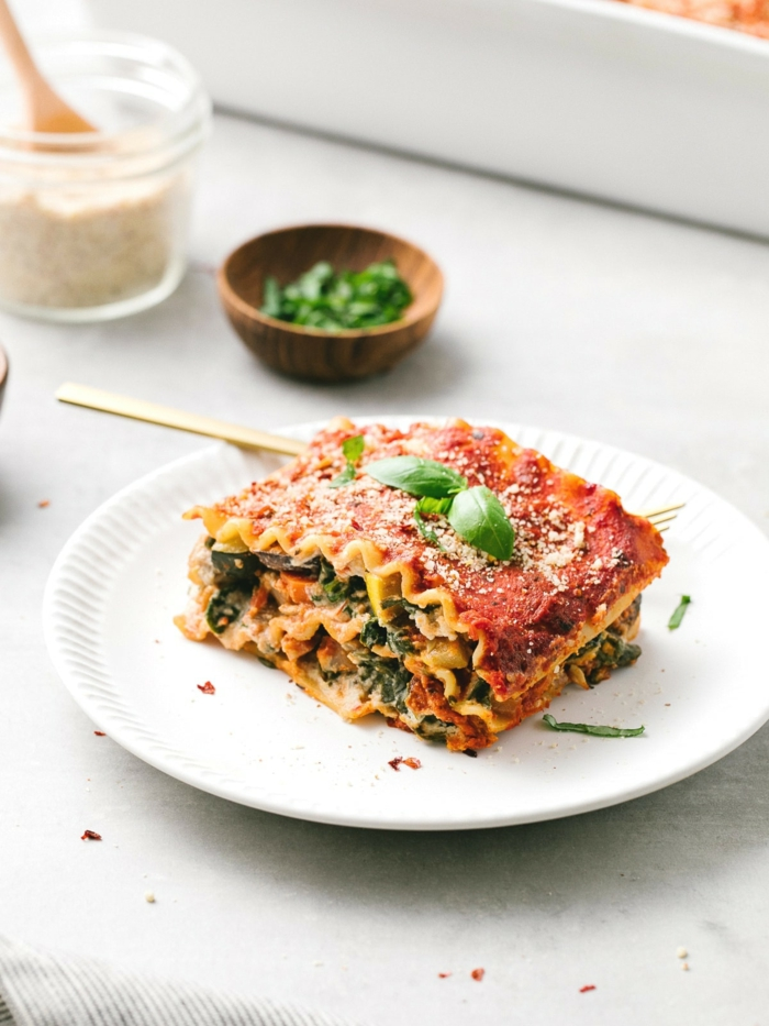 eine vegane lasagne bolognese selber machen rezept lasagne mit tomaten und spinat zwiebeln und fleischersatz