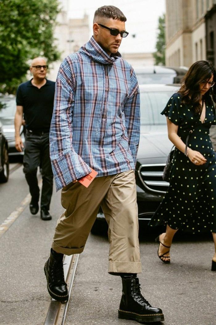 fashion inspiration mann modernes outfit schwarze schuhe langes hemd cargo hosen männerfrisuren kurz 2021 ideen street style inspo