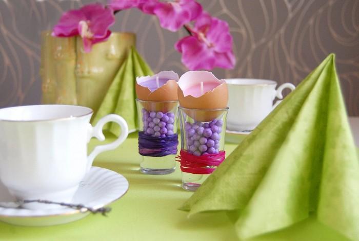 frühlingsbasteln mit kindern ostern basteln schnell pinterest ostern kleine geschenke zu ostern für erwachsene tischdeko zu ostern gläser mit osterkerzen servietten