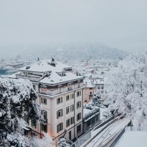 Frostschäden am Gebäude vorbeugen und versichern