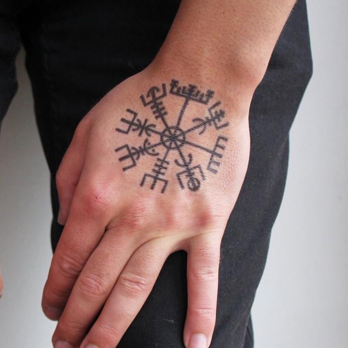 Mythologie tattoo nordische Freya Göttin