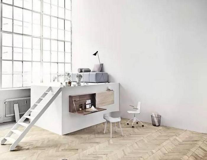 japanischer einrichtungsstil wabi sabi wohnen japanisches wohnzimmer office wabi sabi interior weißer schreibtisch stühle holzboden weiße wände minimalistisch