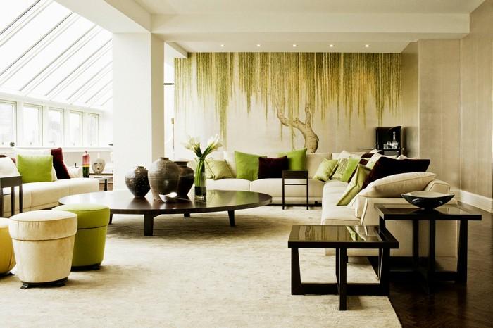 japanischer minimalismus wohnzimmer japanisch einrichten japanische wohnung wabi sabi wohnen wabi sabi interior wohnzimmer in hellgrün und weiß holzmöbel hocker und sofas