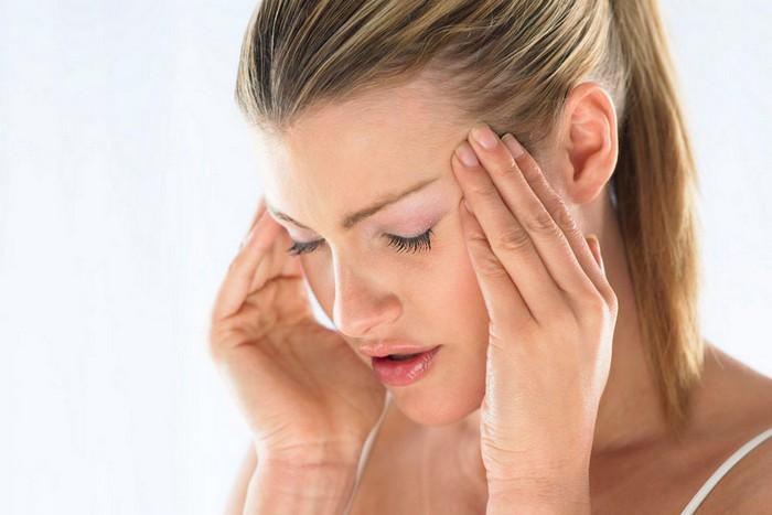 kopfschmerzen rechts kopfschmerzen was tun kopfschmerzen schläfe migräne was hilft frau mit kopfschmerzen