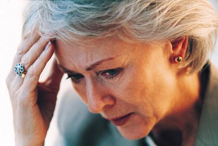 kopfschmerzen stirn ständig kopfschmerzen in welchem bereich sind kopfschmerzen gefährlich alte frau mit kopfschmerzen