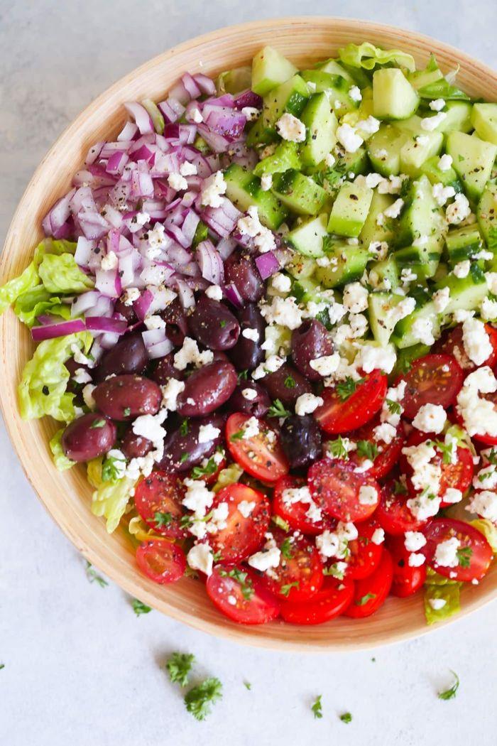 louwen rezepte gesunder salat mit paprika zwiebel gurken essen in der schwangerschaft