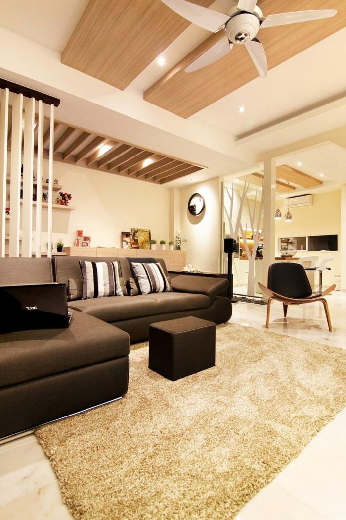 luxuriäses wohnzimmer großes schwarzes sofa wohnzimmer skandinavischer moderne innenausstattung 2021 inspiration