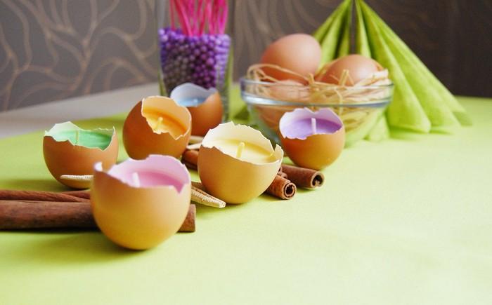 ostergeschenke selbst basteln frühling basteln kinder eierschalen mit wachs kerzen ostern basteln