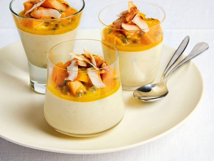 parfait ohne ei einfache zubereitung rezept mit mango und nüssen nachtisch im glas