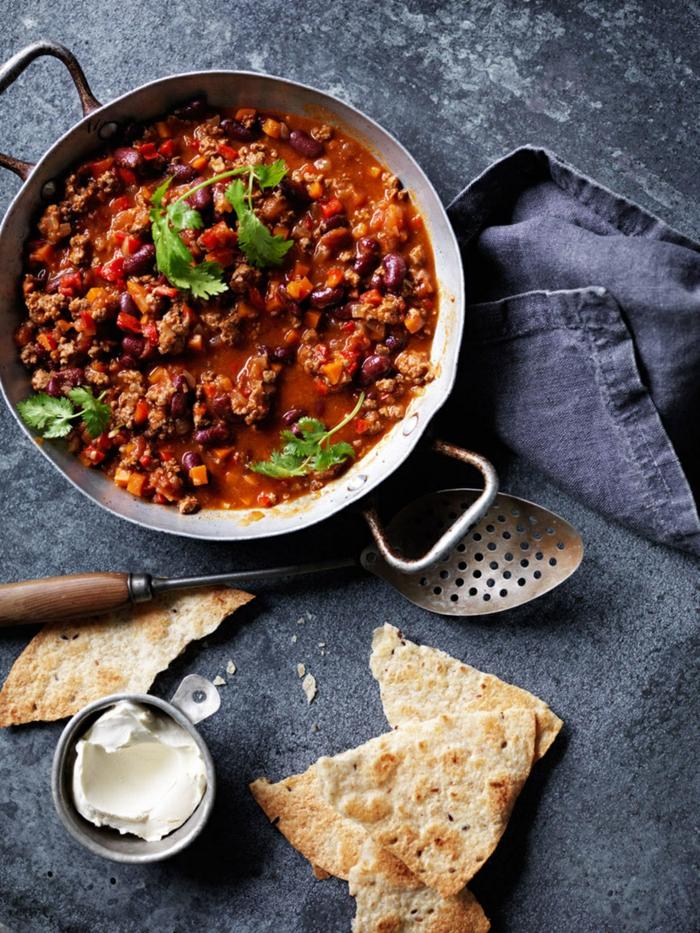 rezept für chili con carne gewürze ein mexikanisches gericht mit mais nohnen und chilischoten