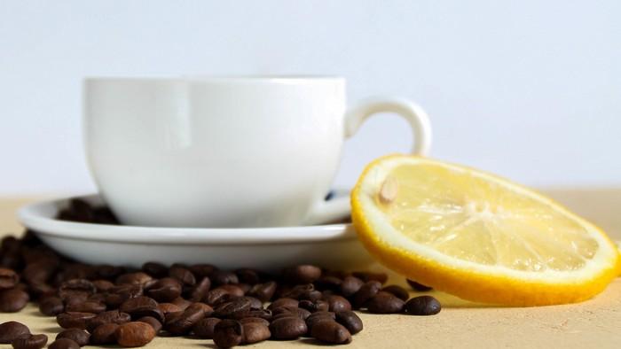 stechende kopfschmerzen migräne was hilft kopfschmerzen nacken kopfschmerzen hausmittel schwarzer kaffee mit zitronensaft trinken