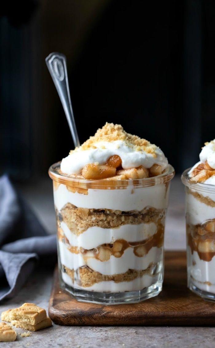vanille parfait dessert mit schichten nachtisch im glas einfache zubereitung partyessen ideen