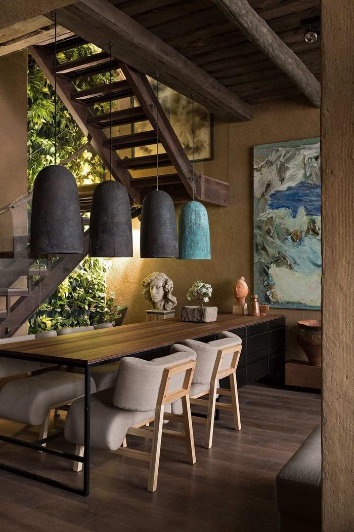 wabi sabi japanische wohnung japanische inneneinrichtung wabi sabi interior japanisches wohnzimmer holztisch lampen aus stein vier