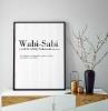 wabi sabi wohnen wabi sabi interior japanisches wohnzimmer einrichten japanischer minimalismus poster wabi sabi erklären schrank deko vasen aus kupfer und stein