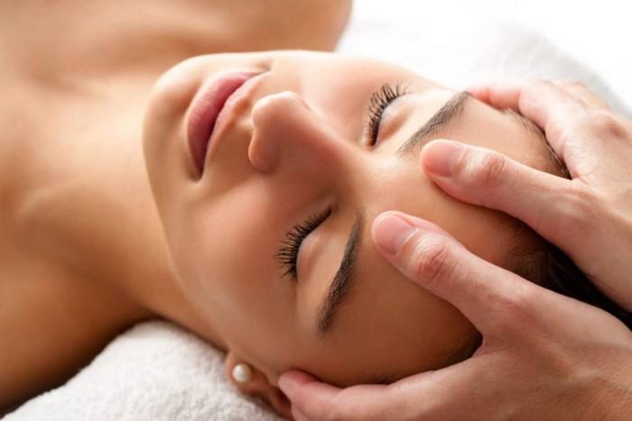 was kann man gegen kopfschmerzen machen migräne was hilft kopfschmerzen rechts kopfschmerzen nacken kopfschmerzen links kopfschmerzen hausmitte akupressur kopf massage